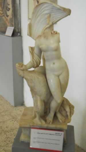 Goddess Leda statue