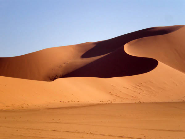 https://www.temehu.com/pictures1/edhan-murzuq/edhan-murzuq-sand-dunes13.jpg