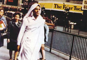 Gaddafi walking in London
