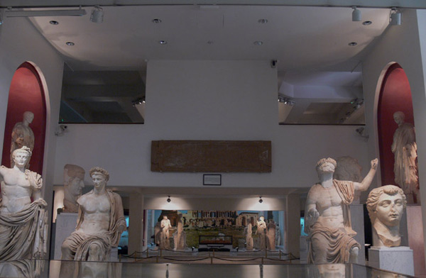 gallery view of assaraya alhamra museum