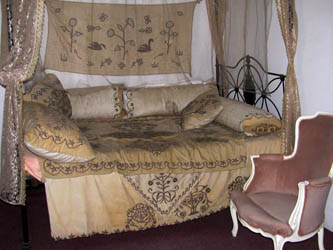the bed with side curtains