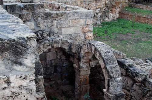 Apollonia - archs