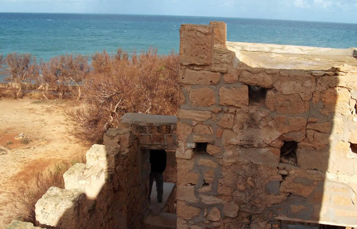 Tokra: archaeological remains by the sea