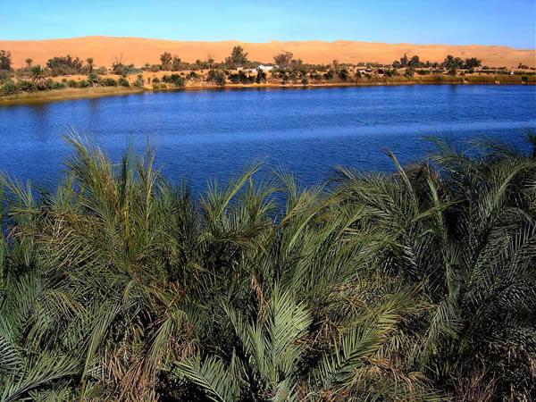 Gaberoun بحيرة فزان، ليبيا.