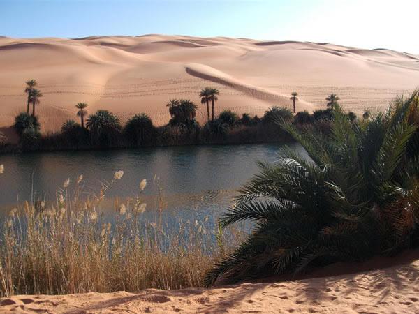 أم ماء بحيرة، ليبيا.
