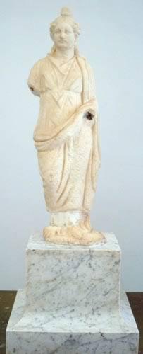 a statue of a goddess