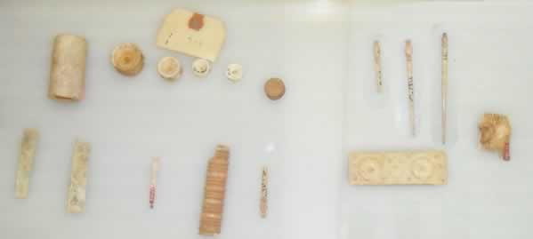 makeup set from apollonia