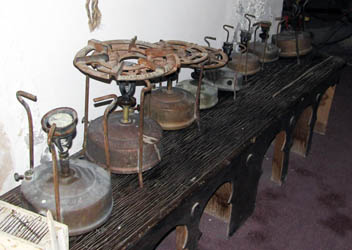 babour: paraffin cooking stoves