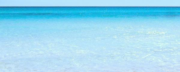 Zuwara beach: clear water