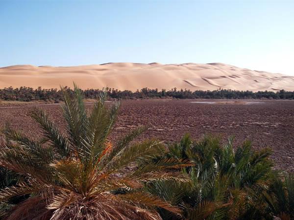 المندرة بحيرة في فزان، ليبيا