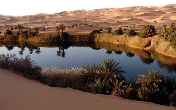 Saharn بحيرة