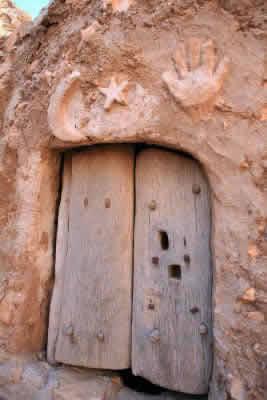 nalut castle door
